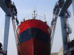 picture of Destination portuaire: Et portant, il flotte! Les chantiers navals de Keroman.