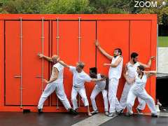 Foto F C C - Fully Choreographic Container